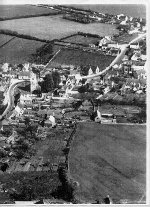 Aerial View 1948 Central Area looking Eastwards with Harrold Road top